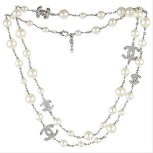 Authentic Chanel 5 CC Crystals Pearl Necklace